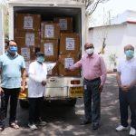 कुसुम फार्मा ने धार प्रशासन को कोरोना से मुकाबले के लिए भेंट की 15 लाख रुपए की 10 हजार दवाई किट
