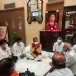 सांसद लालवानी की धर्मपत्नी के निधन पर सीएम शिवराज ने जताई शोक संवेदना, दिवंगत बीजेपी नेताओं के घर भी पहुंचे सीएम