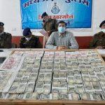 नकली नोट छापकर चलाने वाले 5 आरोपी गिरफ्तार, 30 लाख 65 हजार के नकली नोट बरामद