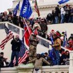 ट्रम्प समर्थकों ने अमरीकी संसद को बनाया बंधक, सुरक्षाकर्मियों की फायरिंग में एक प्रदर्शनकारी की मौत