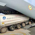सिंगापुर से ऑक्सीजन टैंकरों का आयात कर रही केंद्र सरकार
